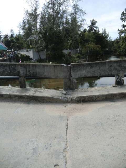 ...Ende der Brücke....